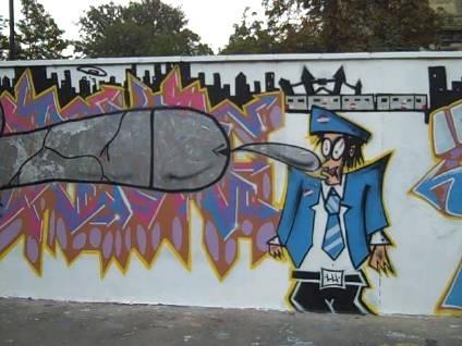 Anti (or maybe pro) tube staff graffiti at Alexandra Palace